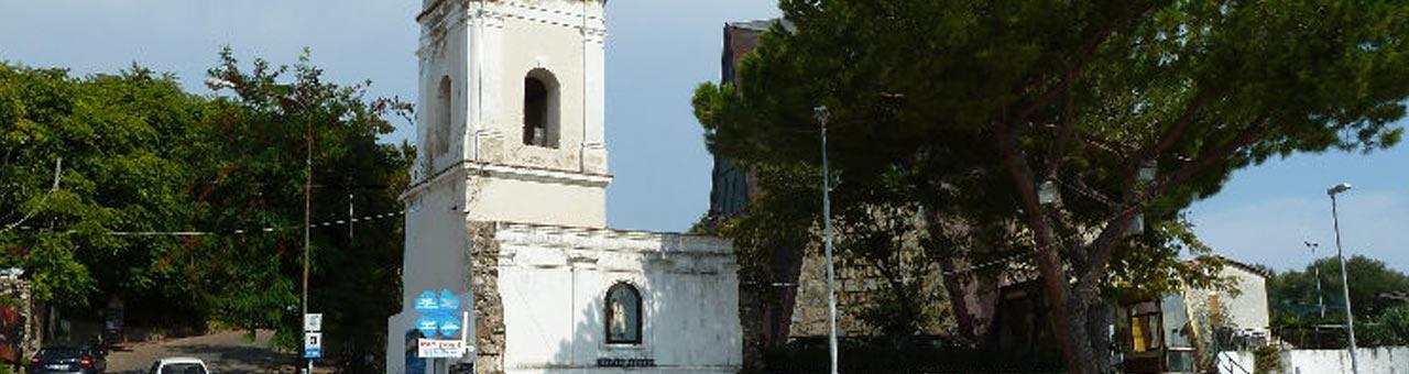Piazza Virgilio Palinuro chiesa